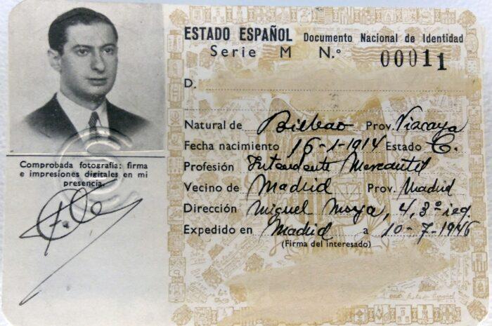 El primer carnet de identidad y los que no pudieron ser