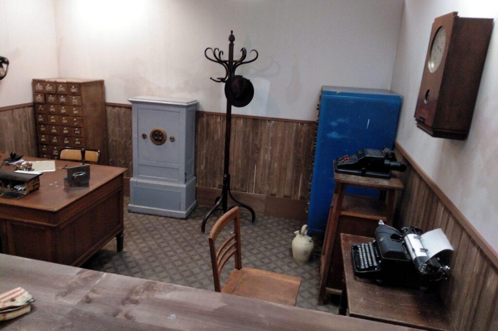 Recreación de una oficina de expedición de los primeros DNI en España